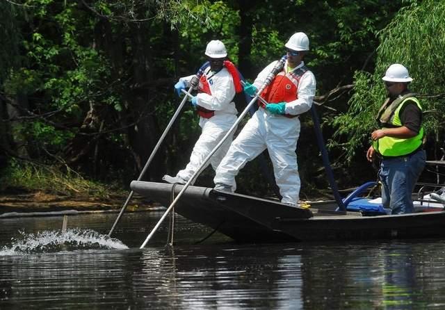 Kalamazoo River - stinger oil probe