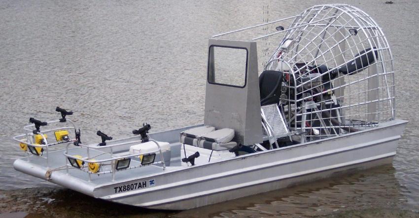 Captain Steve Barnes, Texas: rod holders, lights and bowfishing platform