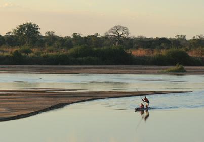 Moja Mekoro across the Lugenda River