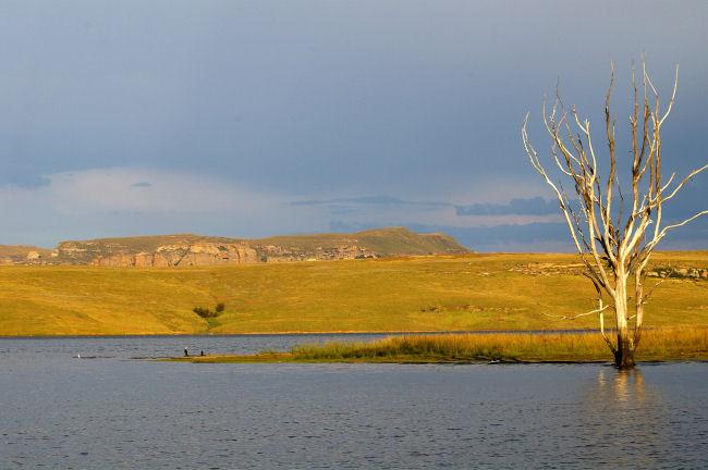 Wild Horses Lodge - lake